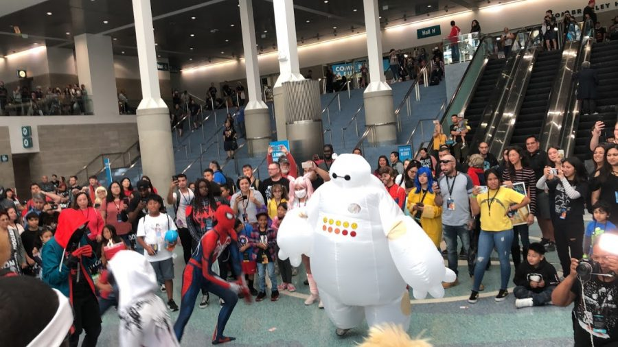 A visit to Comic Con in LA shows crowds and joy.